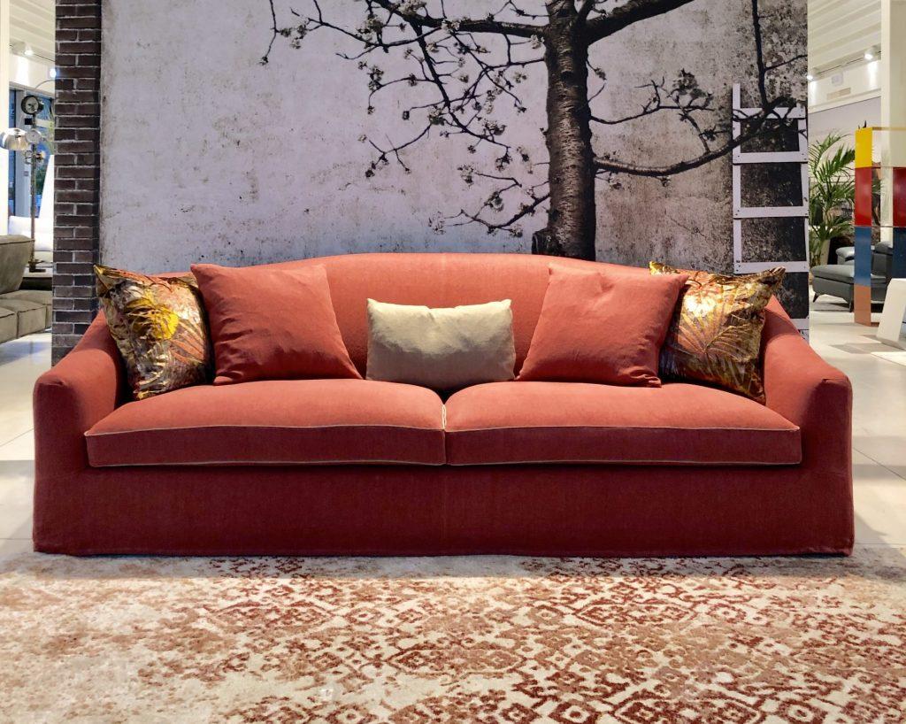 Divano vintage classico lineare pelle e tessuto, modello Carolina | Gobbo Salotti