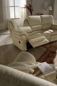 Divano classico angolare lineare con relax pelle e tessuto, modello Prestige | Gobbo Salotti