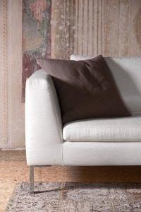 Divano design moderno angolare lineare pelle e tessuto, modello Weeb | Gobbo Salotti