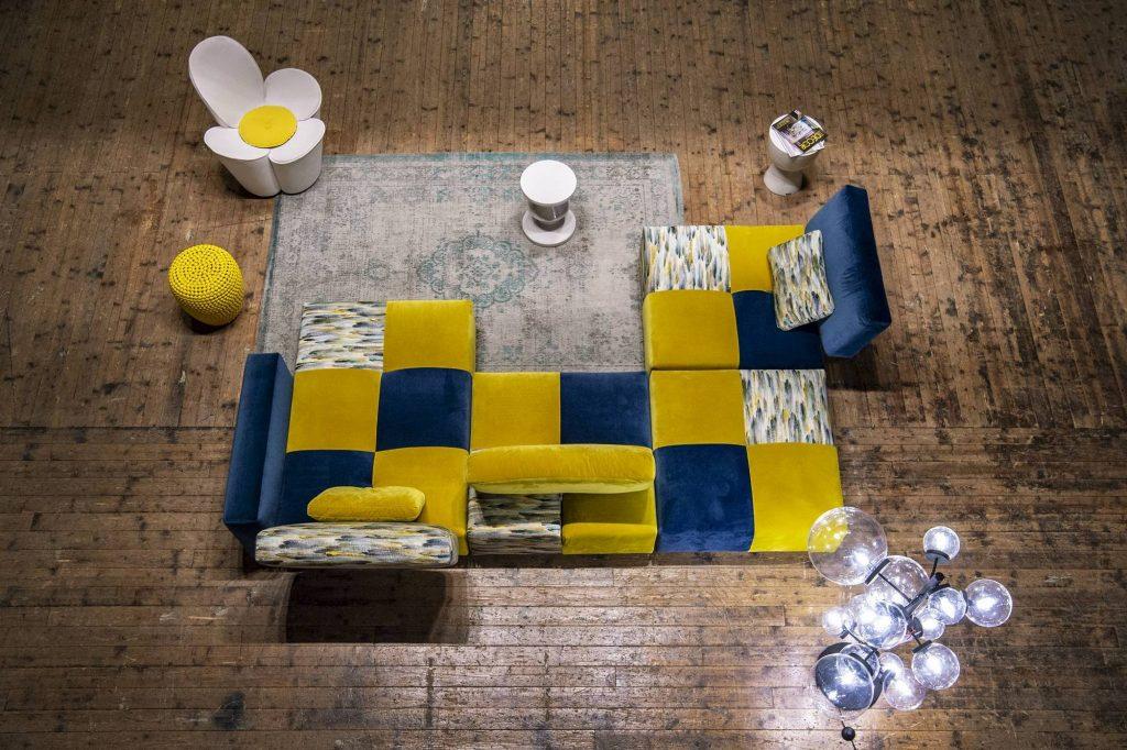 Divano moderno a moduli componibili con penisola con schienale mobile lineare pelle e tessuto, modello Tweet | Gobbo Salotti