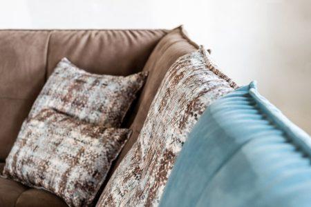 Divano moderno angolare lineare a moduli componibili con relax con penisola pelle e tessuto, modello Elvis   Gobbo Salotti